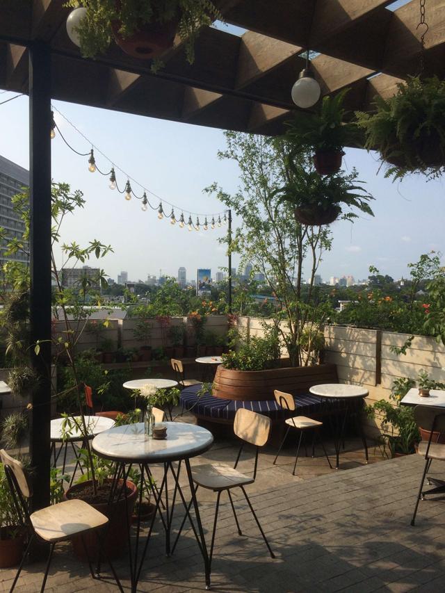 rooftop bar terjangkau-hause rooftop
