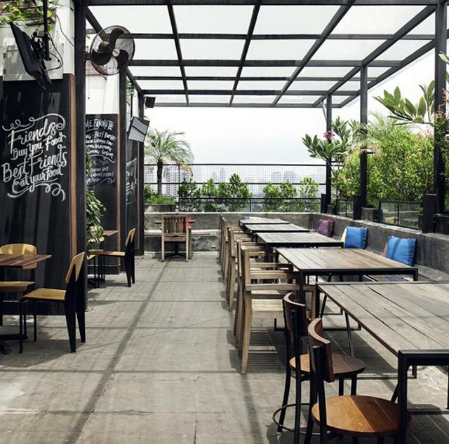 rooftop bar terjangkau-lobbyn