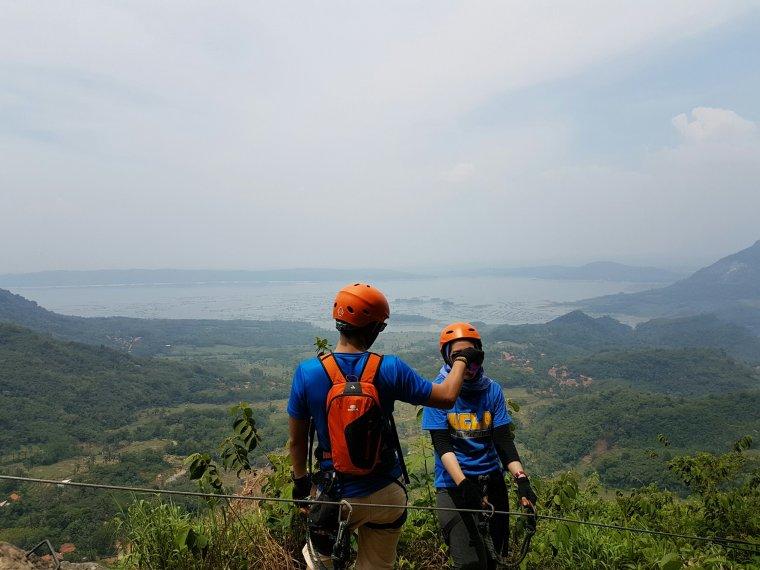 Badega Gunung Parang via Ferrata